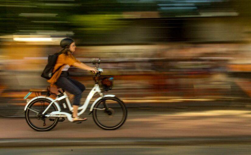 Maigrir avec le vélo : les critères de choix d'un vélo de route électrique